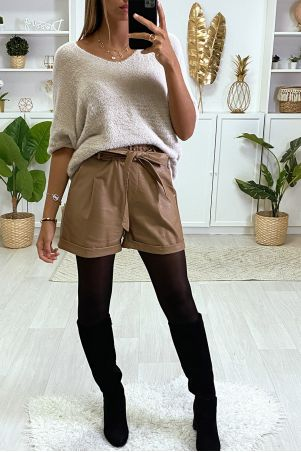 Camel faux leather shorts with pockets and belt