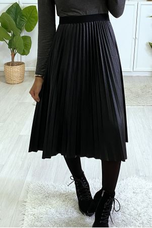 3/4 black pleated faux leather skirt with elastic waist