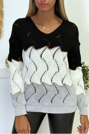 Black white gray braided leaf-shaped sweater with gold bands