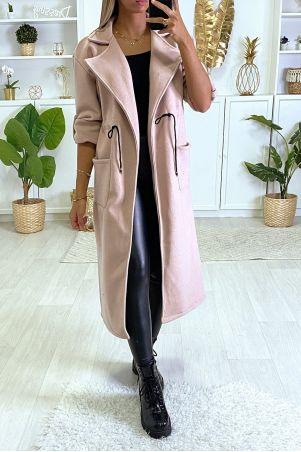 Lange roze jas getailleerd met steekzakken