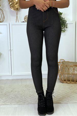 Plus size leggings in black raw denim style