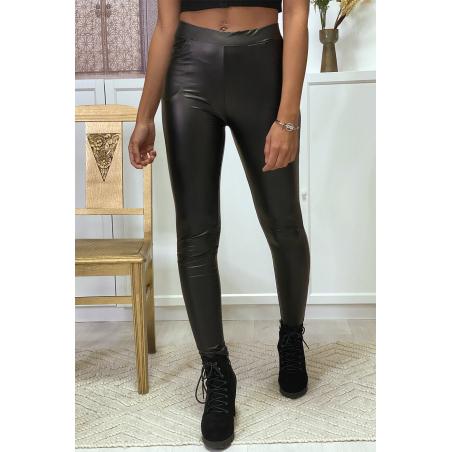 Legging noir huile facon simili avec poche a l'avant et a l'arriere Leggings. Tendance. ENLEG-9910