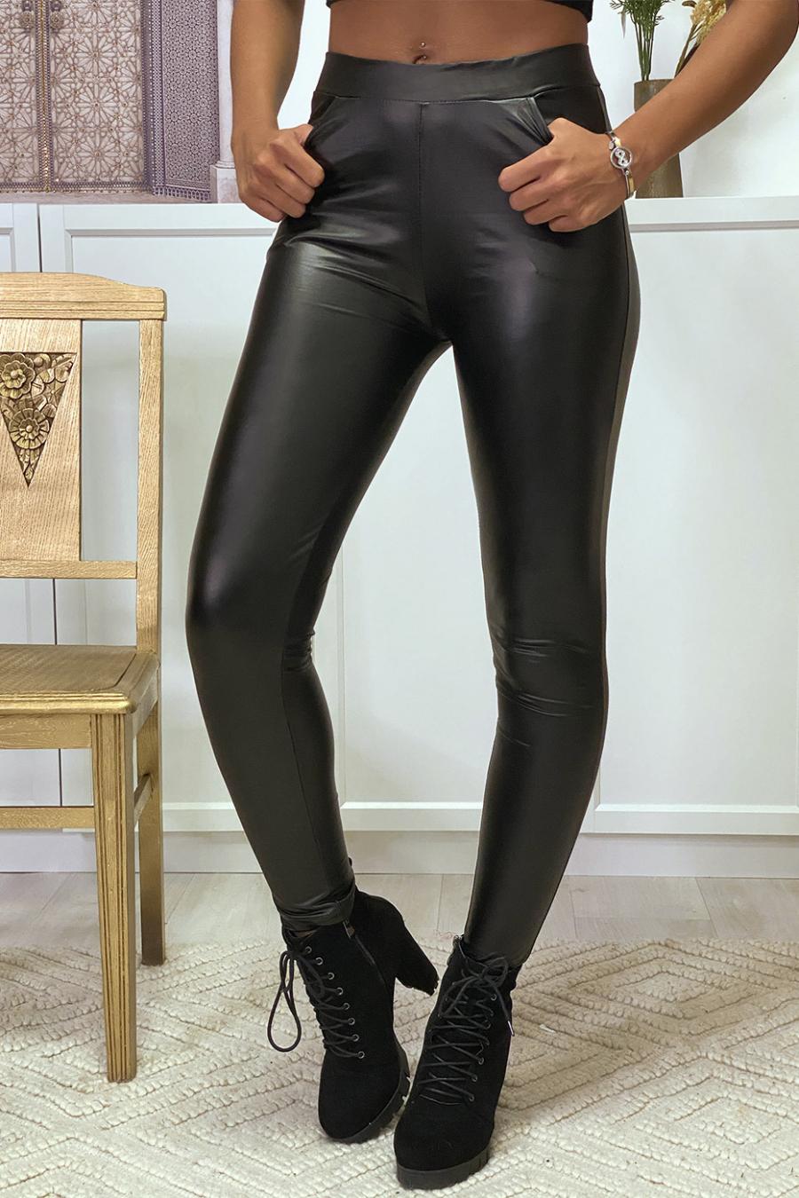 Black faux oil leggings with front and back pocket Leggings. Trend. ENLEG-9910