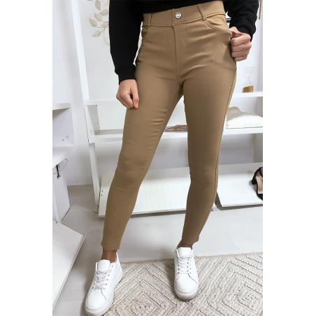 Pantalon slim camel en grande taille , basic avec poches avant et arrière