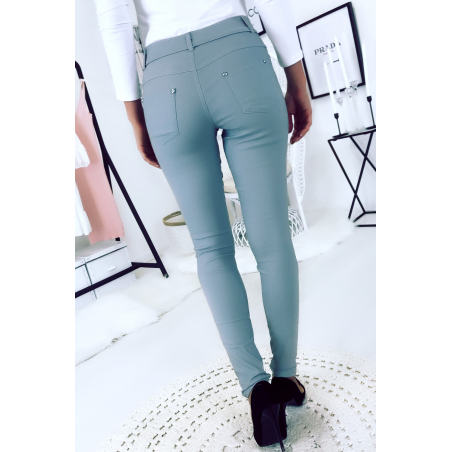 Witte slanke broek, basic met voor- en achterzak