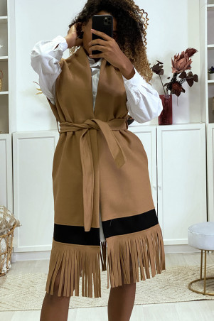 Camel sleeveless jacket with fringe and black band