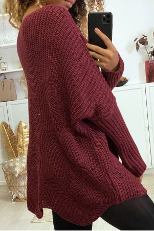 Burgundy oversize sweater with leaf pattern