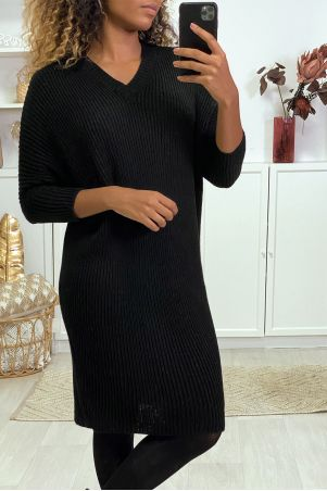 Zwarte sweaterjurk met V-hals en vlindermouwen
